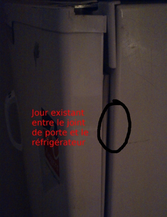 jour dans un joint de porte de réfrigérateur